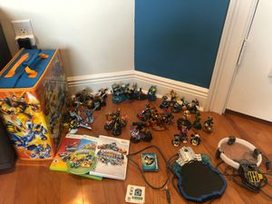 SKYLANDERS SPYRO'S ADVENTURE GIANTS TRAP TEAM SWAP FORCE SUPERCHARGES LOT WITH CARRIER for Sale in Hollywood, FL
