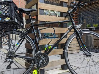 Jamis Coda Sport 2018 Bike With Accessories for Sale in Portland,  OR