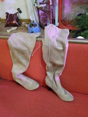 Women's nice suede boots for Sale in Wichita, KS