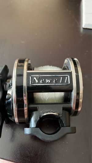 Newell S220-5 Fishing Reel for Sale in Queens, NY