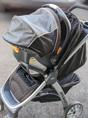 Chicco keyfit 30 car seat + base along with bravo 3 in 1 stroller for Sale in Chesterfield, NJ