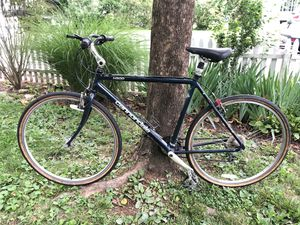 Cannondale H500 men's touring bike for Sale in Stamford, CT