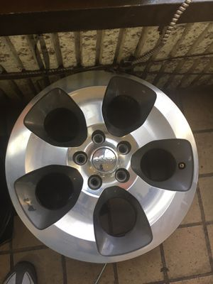 "18"" Jeep wheels set of 5 for Sale in Laurel, MD"