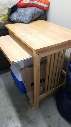 Mini desk for Sale in Gresham,  OR