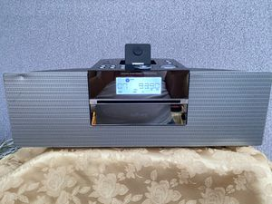 Philips Docking Entertainment System DCM250 IPhone iPod Charger Radio for Sale in Downey, CA