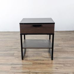 Metal One drawer End Table (1134562) for Sale in South San Francisco,  CA