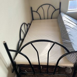 Twin Bed With Mattress for Sale in Fresno, CA