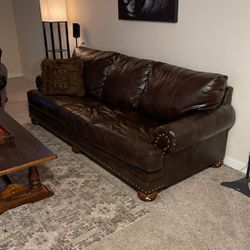 Leather Couch And Loveseat for Sale in Aurora,  CO