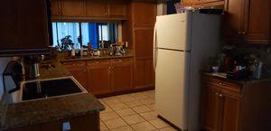 Kitchen Appliances Fridge, range /oven & microwave for Sale in Orlando, FL