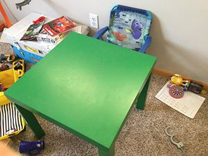 Kids table and dory chair for Sale in Chaska, MN