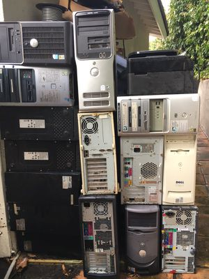 17 computers for parts and keyboard for Sale in Los Angeles, CA