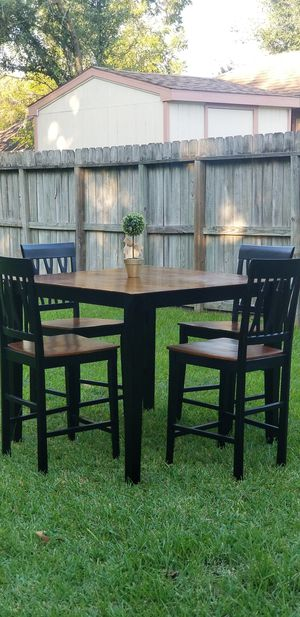 Bar Height Dining Table (4)Chairs for Sale in Houston, TX