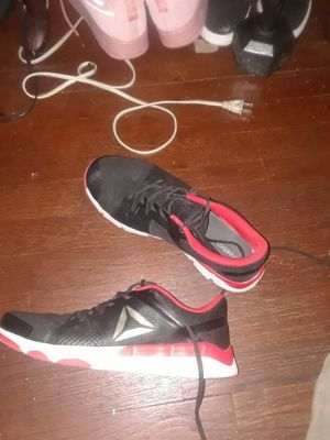 Reebok black, red, and white (size11) for Sale in New York, NY