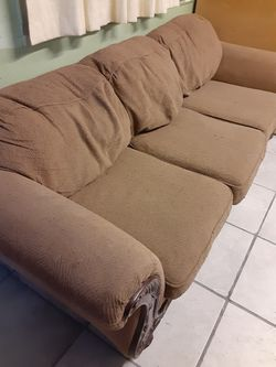 Free Couch And Bed for Sale in Yakima,  WA