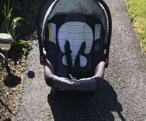 Graco car seat for Sale in Dracut, MA