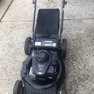 """Murray 21"""" 3-N-1 High Wheel Push Mower with Briggs and Stratton Engine 150 for Sale in Bakersfield, CA"""