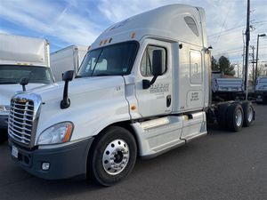 2012 Freightliner Cascadia Sleeper for Sale in Eugene, OR