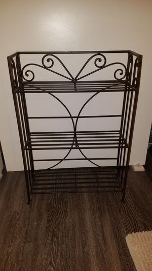 Short bakers rack. Need gone asap for Sale in Mesa, AZ