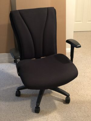 RMF seating big and tall oversized office chair for Sale in Manassas, VA