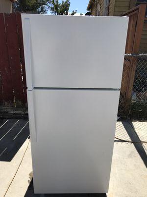 Refrigerador whirlpool for Sale in Oakland, CA