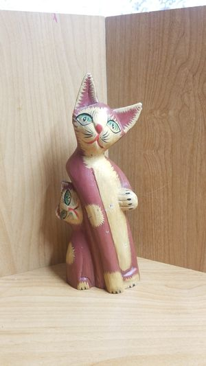Vintage wood cat statue Collectable for Sale in Vancouver, WA