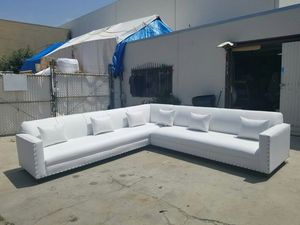 NEW 11X11FT WHITE LEATHER SECTIONAL COUCHES for Sale in Indio, CA