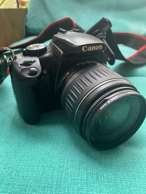 Canon EOS Digital Rebel XTi (with lens, strap and carrying bag) for Sale in Dunwoody, GA