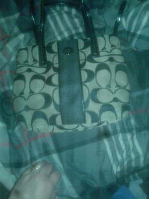 Coach tote purse for Sale in Cleveland, OH