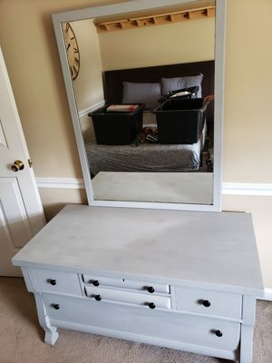 Antique Oak Dresser/Vanity for Sale in Dallas, GA