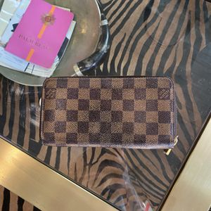 Louis Vuitton Damier Ebene Zippy Long Wallet From 2015 for Sale in West Palm Beach, FL