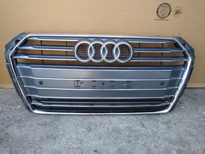 2017 1018 Audi A4 front Grille OEM used 8W0853651 BR for Sale in Wilmington, CA