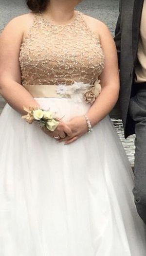Beautiful Prom/Homecoming/Wedding Dress for Sale in Raymond, WA