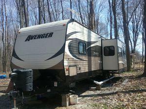 2015 Primetime Avenger Travel Trailer 28 RKS for Sale in East Rochester, OH