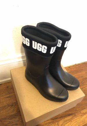 UGG rain boots size 5 for Sale in Cleveland, OH