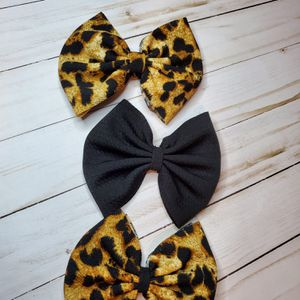 3 bows on nylon or clip for Sale in Des Plaines, IL
