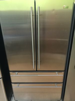 REFRIGERATOR GENERAL ELECTRIC MONOGRAM STAINLESS STEAL for Sale in Los Angeles, CA