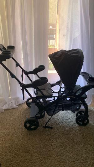 Baby and toddler double stroller for Sale in Chula Vista, CA