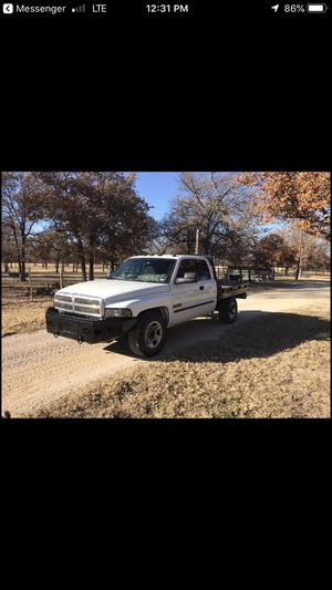 2002 Dodge Ram 2500 diesel for Sale in Tye, TX