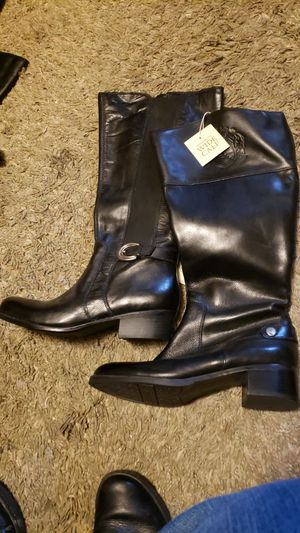 2 leather calf adjust boots for Sale in Auburn, WA