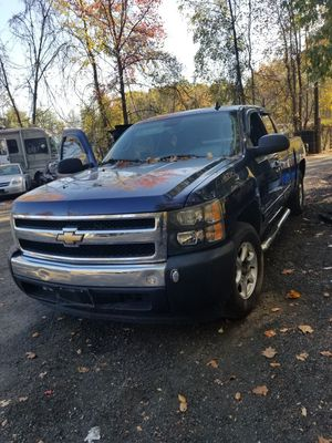 Chevrolet silverado 1500 for Sale in Silver Spring, MD
