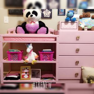 Pretty Pink & Gold Nursery furniture. Dresser and changing table. for Sale in Powder Springs, GA