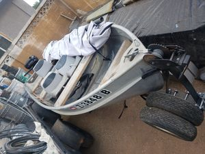 Fishing Boat 12 ft Aluminium. 3 Seat for Sale in Phoenix, AZ