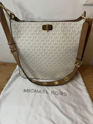 Michael Kors 💯 for Sale in Oxon Hill, MD