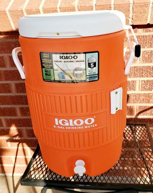 IGLOO Cooler 5 Gallons for Sale in Lakewood, CO