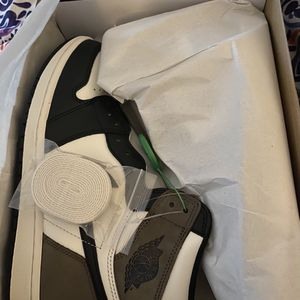 Mocha 1s Size 11 for Sale in Chicago, IL