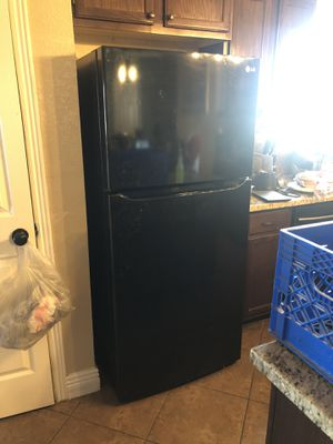 Used working Black LG refrigerator with manual for Sale in El Paso, TX
