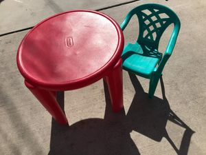 kids table 2 chairs FIRM PRICE NO DELIVERY CASH OR TRADE FOR BABY FORMULA for Sale in Los Angeles, CA