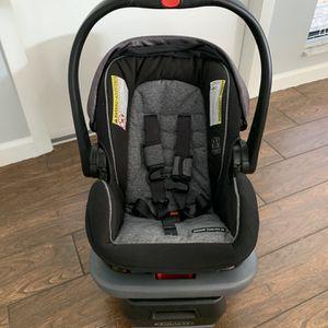Graco Snugride Snuglock 35 Infant Car Seat for Sale in Tampa, FL
