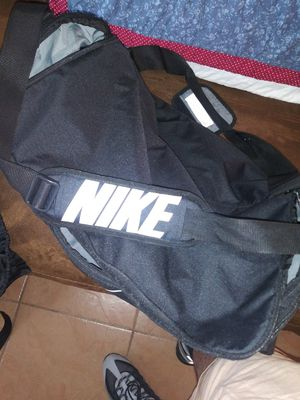 Nike duffle bag for Sale in Lake Worth, FL