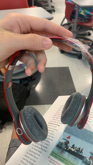 Beats solo hd reds special edition for Sale in Tampa, FL